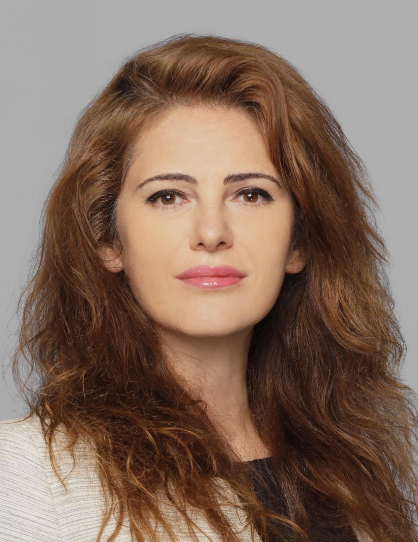 Dr. E. Pavlova_Face Photo